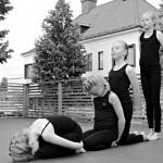 5A luokan tyttöjen tanssiesitys